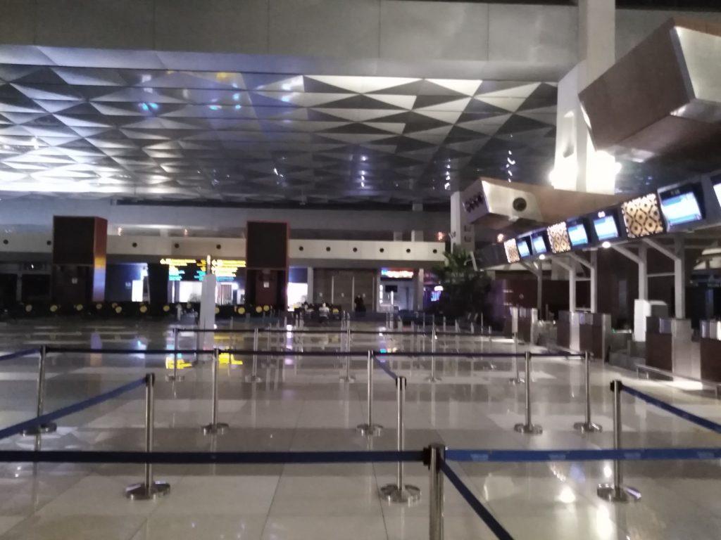 ジャカルタ スカルノハッタ 空港